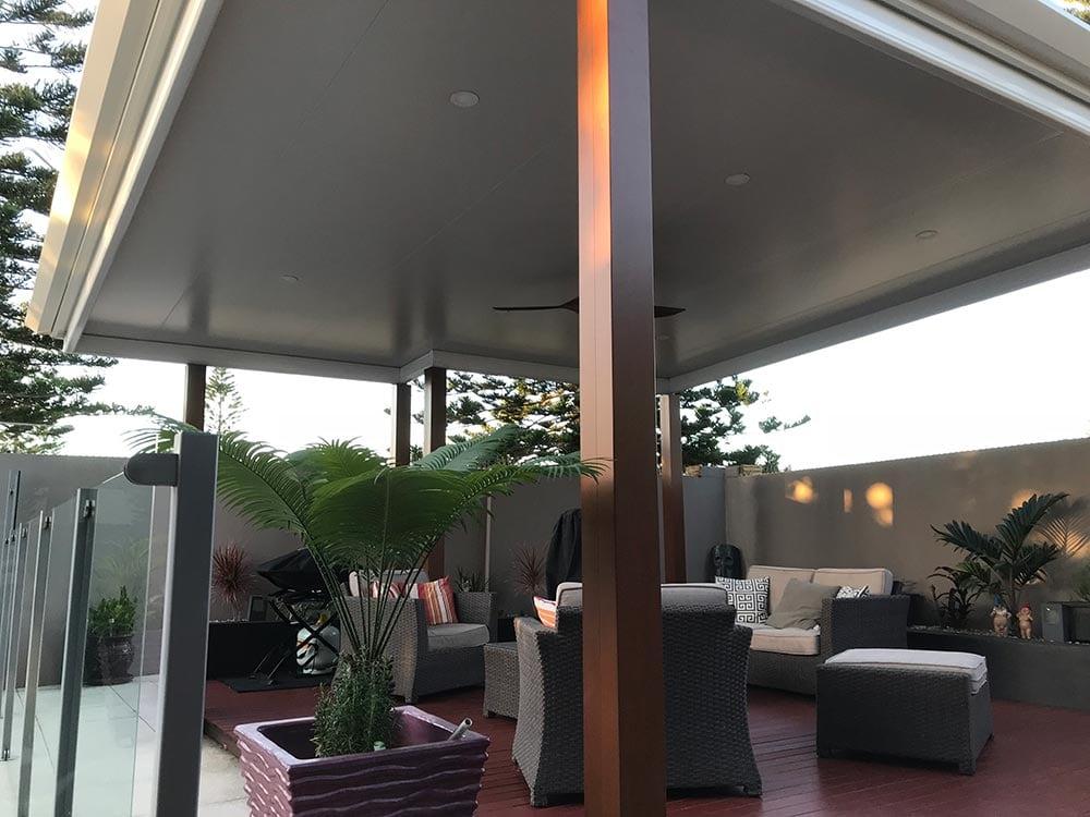 ... Poolside Patio Brisbane 2 ...